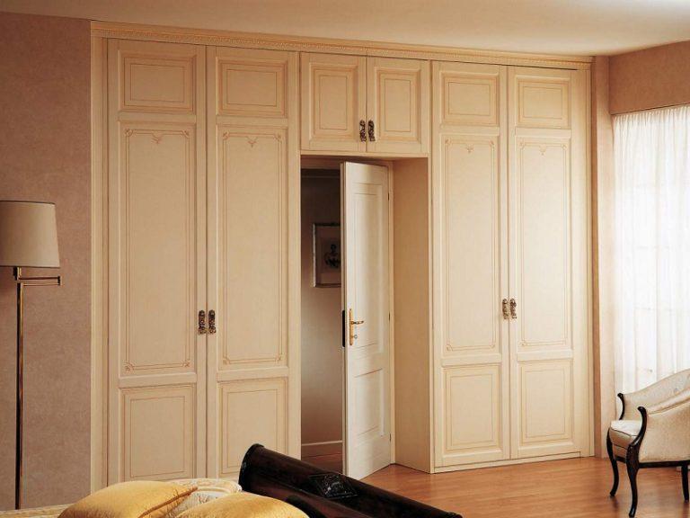 Шкаф распашной вокруг двери авангард шкаф на заказ по индиви.